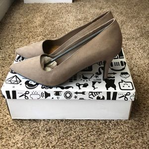 New BAMBOO Chocolate Pumps. Size 7 1/2